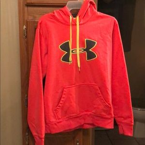 Under armour woman's small sweatshirt